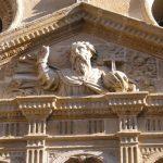 Foto de la fachada de la iglesia, estilo gótico-renacentista.